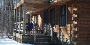 Les avantages de vivre dans une cabane en rondin