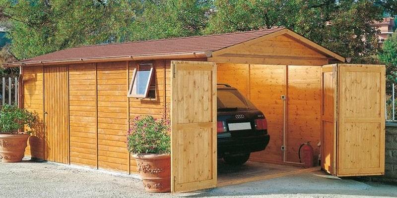 Le garage en bois dont vous avez besoin pour votre voiture
